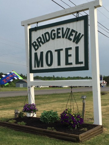 Bridgeview Motel Outside Sign